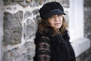 Author Holly Bodger